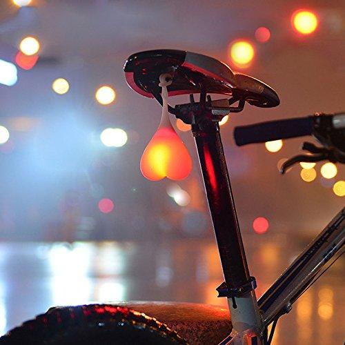 Bälle unterm Fahrradsitz